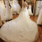 2015露背水钻大拖尾法国蕾丝婚纱新款原创欧式宫廷蕾丝一字肩婚纱