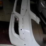 奔驰B200保险杠大灯中网